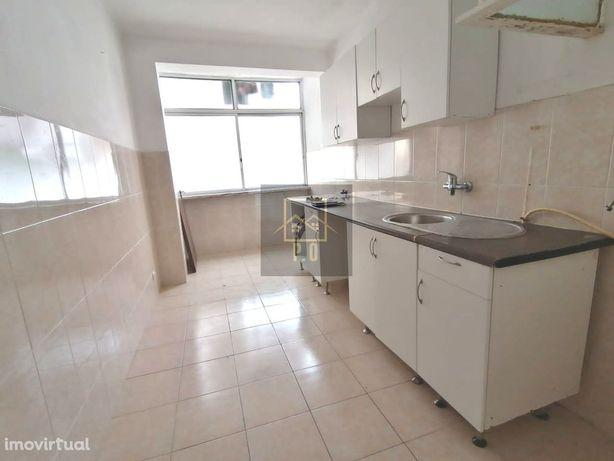 Apartamento T2,Urbanização da Arcena,Alverca.