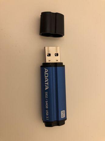 Pendrive ADATA 64GB.