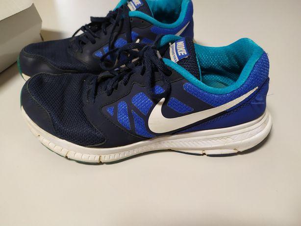 Кроссовки Nike, цена 250