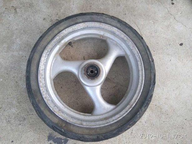 Переднее колесо в сборе 130/60-13 диск 13 /3.50