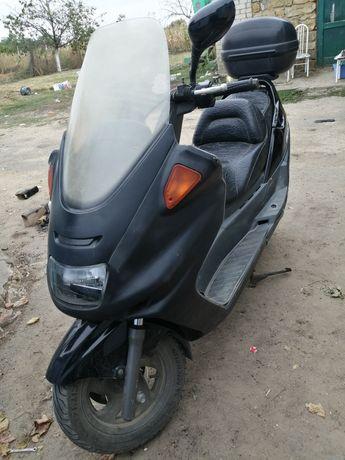 Продам Yamaha magesti 250