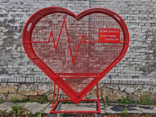 Stalowe serce na nakrętki