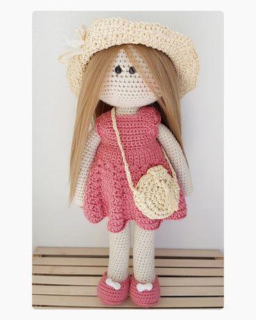 Вязаная кукла. Ручная работа