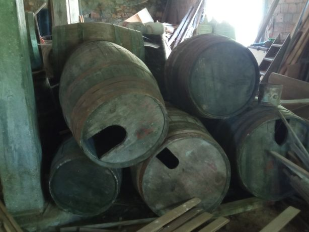 Pipos em madeira