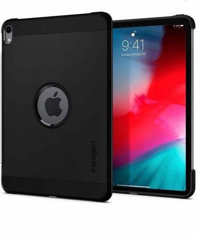 Czarne etui iPad 11 pro
