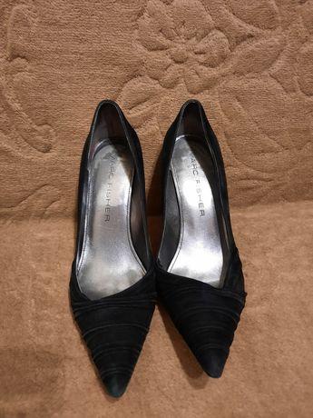 buty zamszowe szpilki