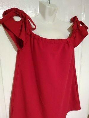 Роскошная фактурная блуза Boohoo с открытыми плечами, размер 14