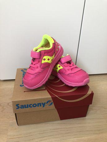Saucony оригинал из Америки кроссовки на девочку.