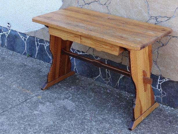 Stół kuchenny z drewna sosnowego do renowacji