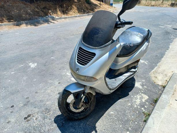 Vendo scooter 50cc a 2t
