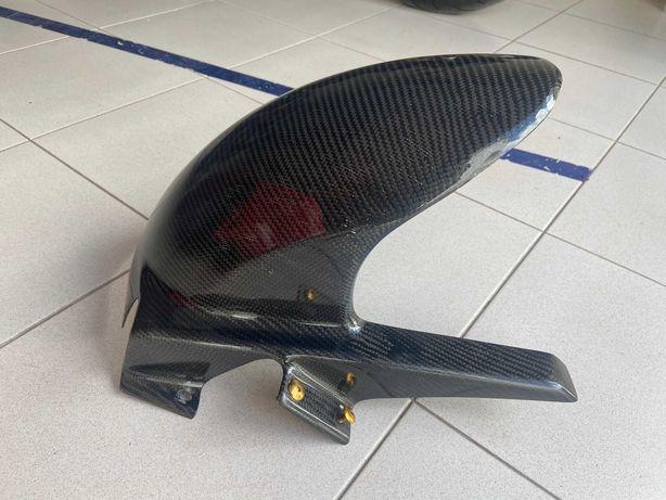 Guarda lamas trás em carbono Suzuki gsxr 1000 K3/K4