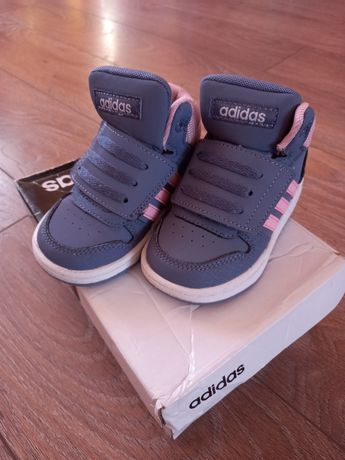 Хай топи Adidas,состояние нових 21р