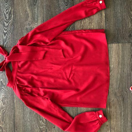 Bluzka czerwona półgolf , kokarda , xs