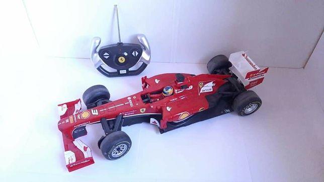 Duży zdalnie sterowany bolid Ferrari