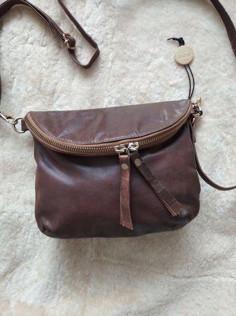 Кожаная сумочка кроссбоди Oasis