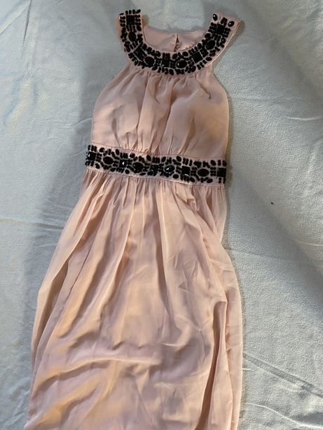 Długa suknia pudrowyróż