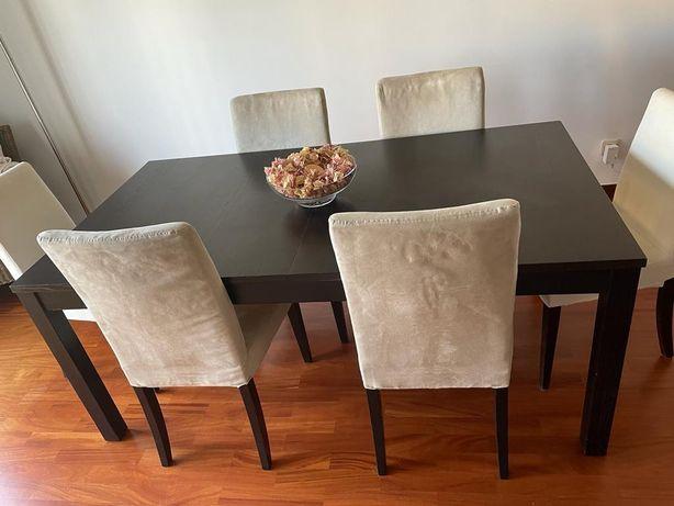 Mesa extensivel e 4 cadeiras