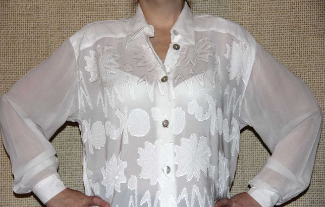 Блуза нарядная белая