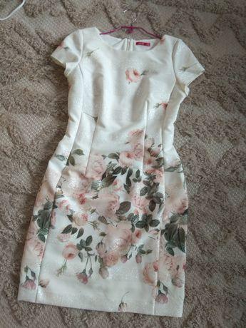 Piękna wyjściowa sukienka