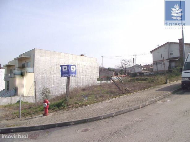 Vende-se Lote p/construção Moradia Gaveto - Dume