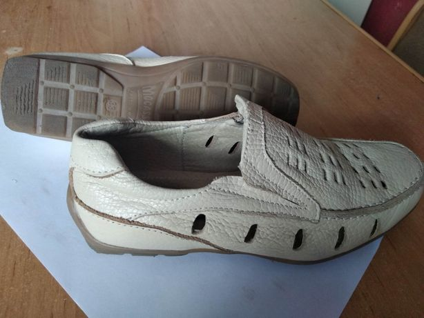 Мокасины, туфли.