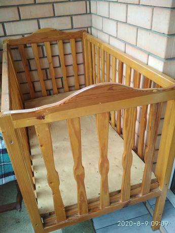 Кроватка детскаях  люлька до 3 лет, горшок и накладка в подарок
