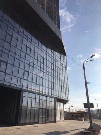 ул.Киквидзе(Бойчука) 451 метр.кв. ФАСАД 2 входа, разгрузочные ворота