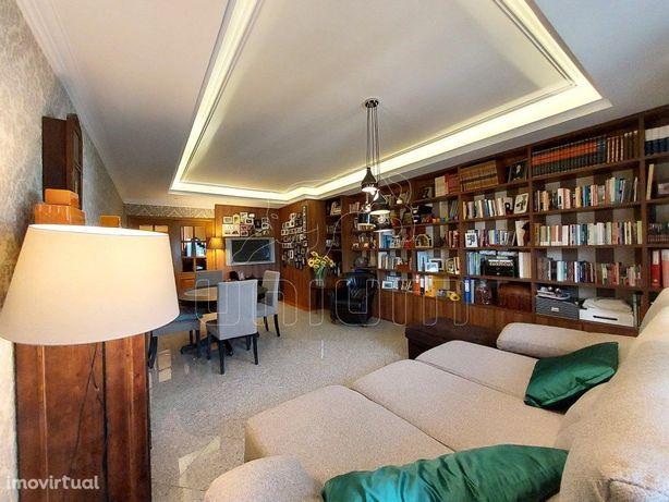 Apartamento T4 Duplex - Santa Maria Maior