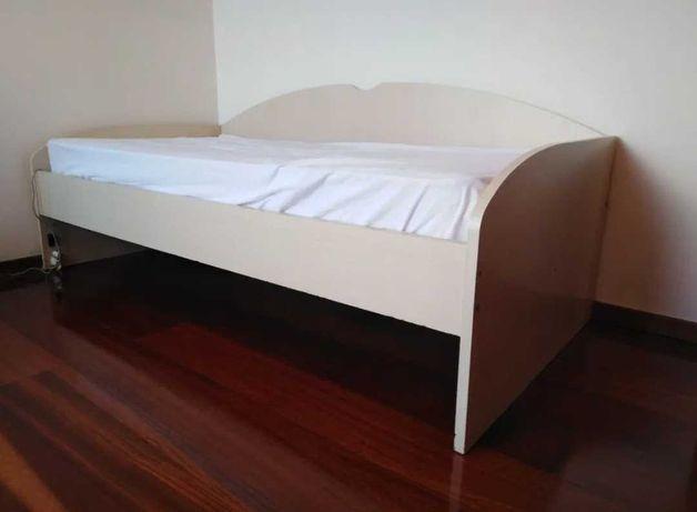 Cama de solteiro dupla/oferta colchão