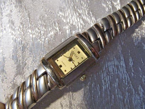 Часы GUCCI в коллекцию, 2008 года выпуска, женские, кварцевые, новые