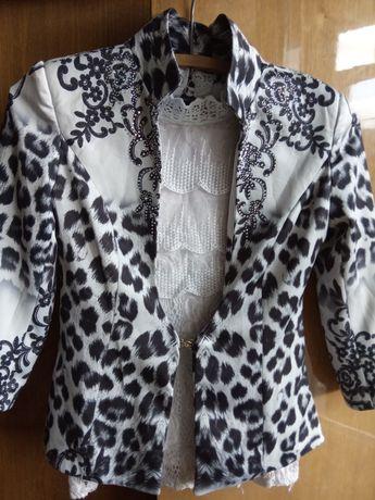 Нарядный пиджак с топом