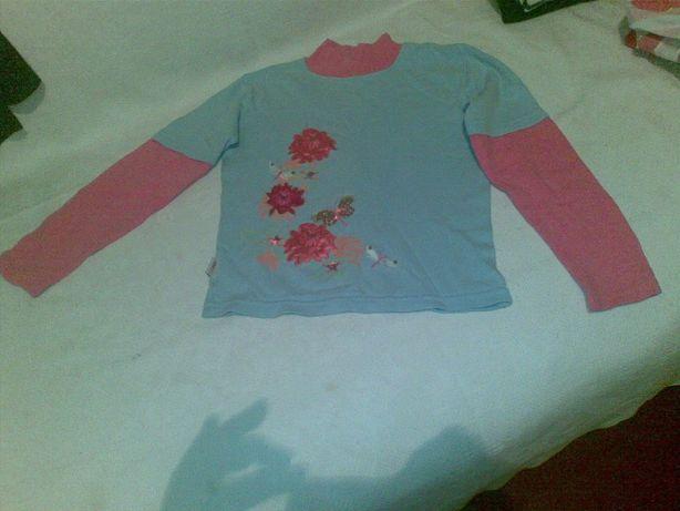 Продам свитер на девочку длина 43 см, длина рукава 52, очень красивый