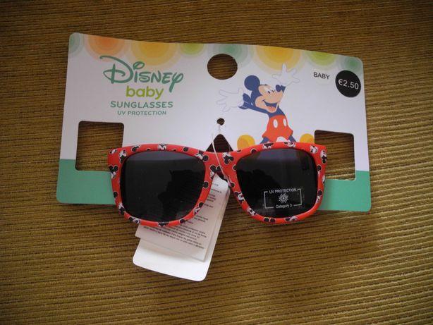 óculos de sol Disney para bebé NOVOS!