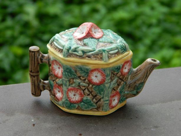 MINIATURKA * RĘCZNIE malowany IMBRYCZEK porcelana czajniczek kwiaty