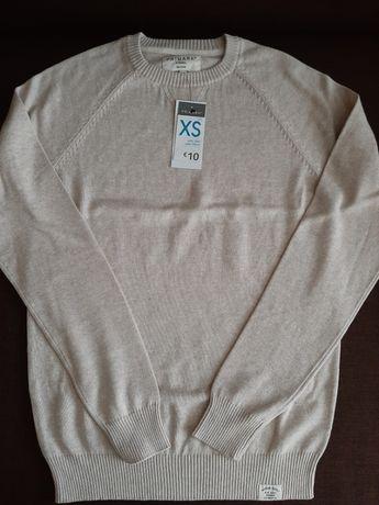 Sweter w koloże beżowym