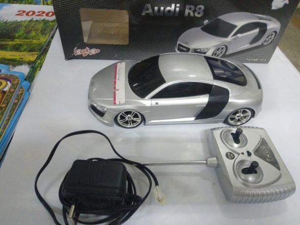 радио управляемая машина Аудио R8