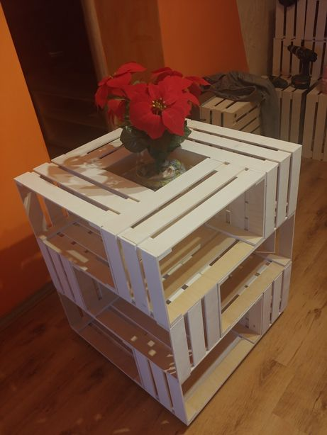 Stolik obrotowy na kółkach