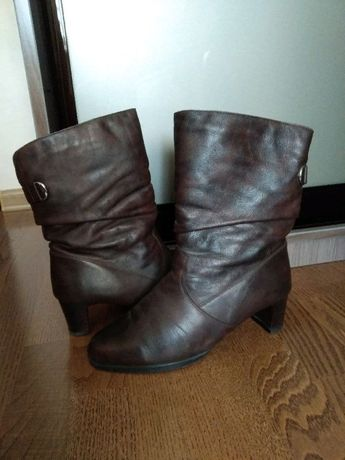 Женские ботинки кожаные, натуральный мех фирмы Janita (Размер 40)