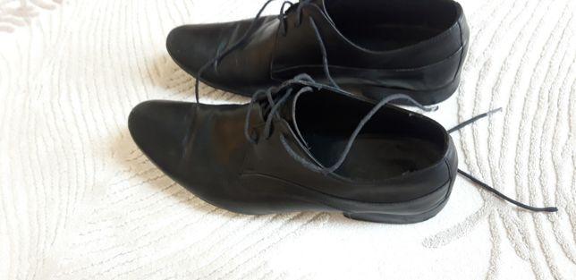 pantofle czarne Badura