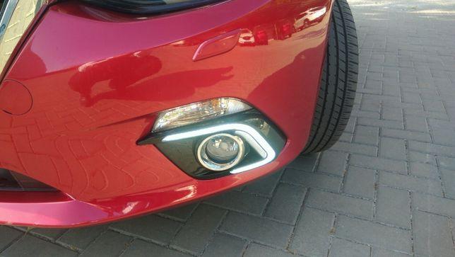 Накладки на противотуманные фары Mazda 3