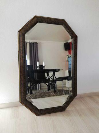 Espelho de pé antigo