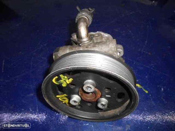 1J0422184A  Bomba de direcção VW GOLF IV (1J1) 1.9 TDI AJM