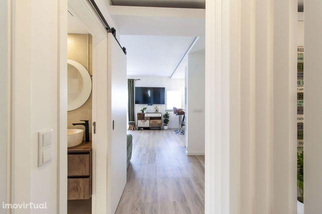Apartamento com envolvência de moradia!