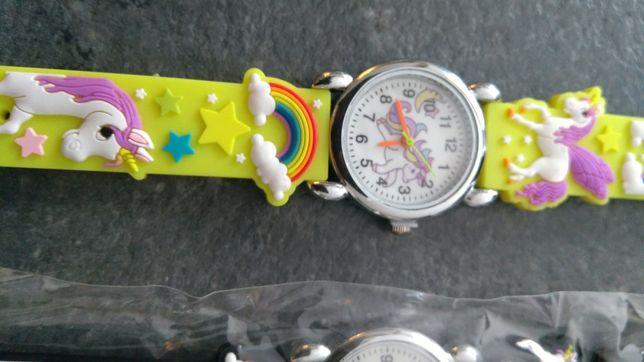 Zegarek dziecięcy koniki