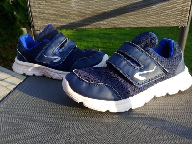 Buty chłopięce Decathlon r.35
