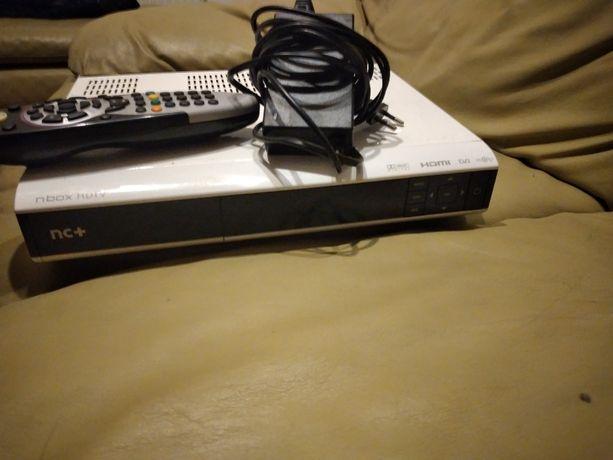 Dekoder Satelitarny NBOX HDTV nc+ canal+ na karte folia na obudowie