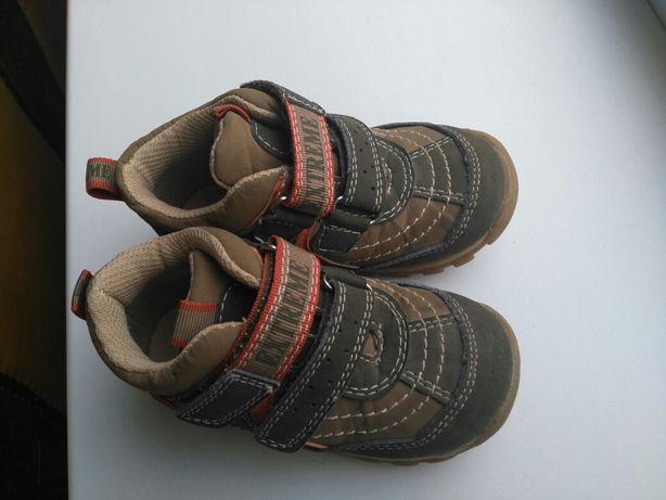 Продам дитяче взутя