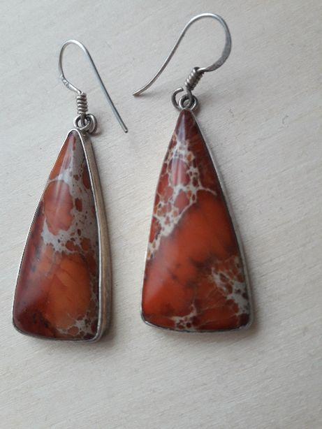 Srebrne kolczyki z naturalnym kamieniem