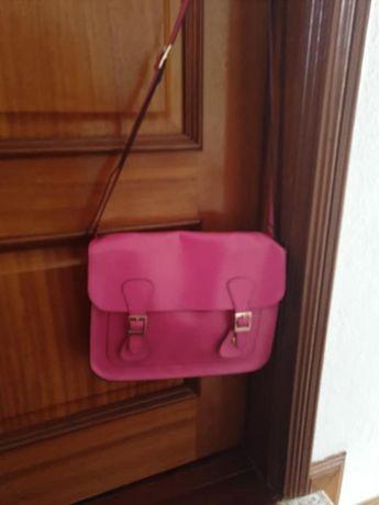 Vendo carteira rosa shock Misako