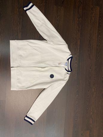 Очень модная кофта белого цвета от бренда Jacadi